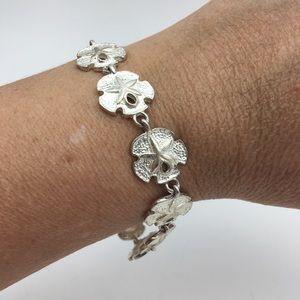 Jewelry - Sand Dollar Link Bracelet Beach Silvertone Jewelry